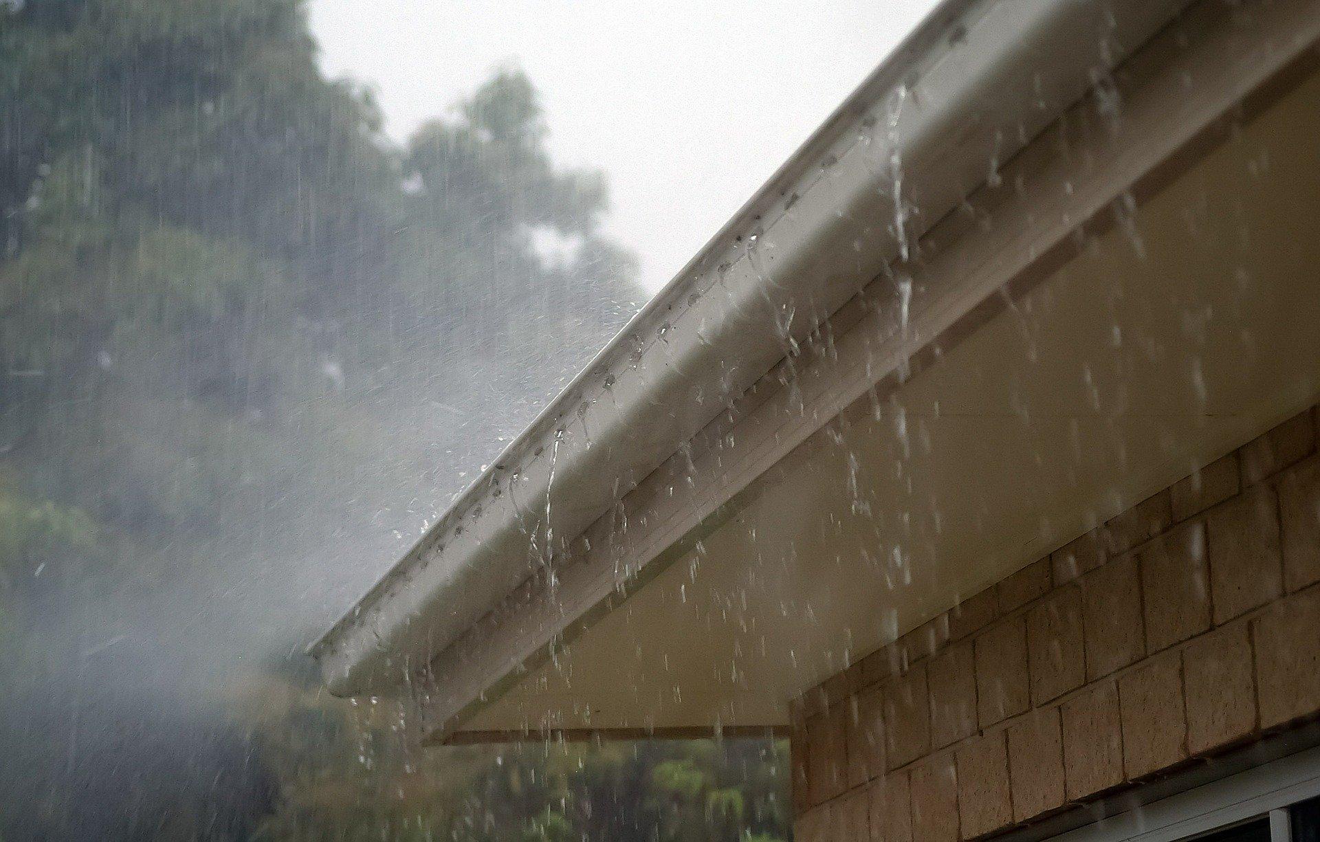 is-spray-foam-insulation-waterproof